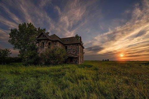 Darmowe zdjęcie z galerii z dom wiejski, farma preryjna, kamienny dom, opuszczony