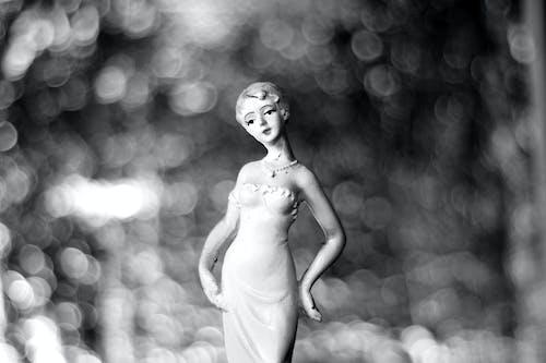 bayan, biblo, Kadın, siyah ve beyaz içeren Ücretsiz stok fotoğraf
