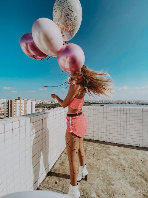 Бесплатное стоковое фото с веселье, вечеринка в честь дня рождения, воздушные шары, волос