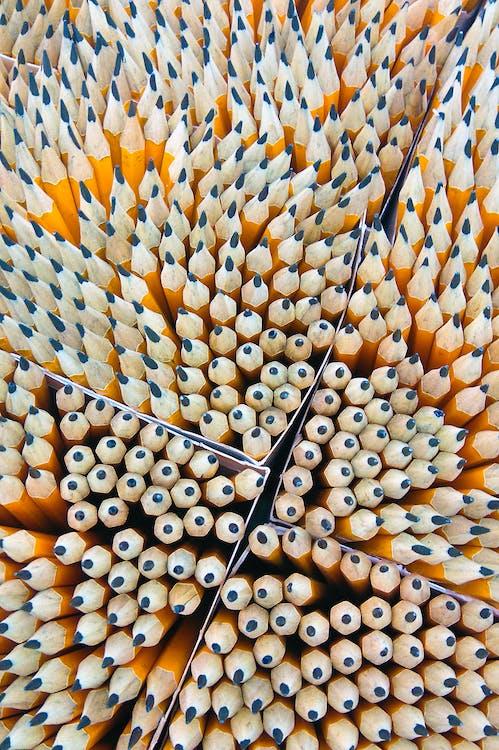 Gelber Bleistift Lot