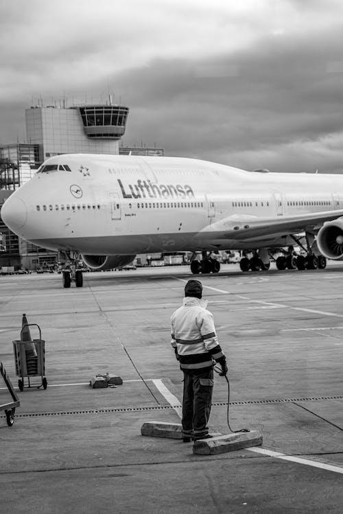Δωρεάν στοκ φωτογραφιών με lufthansa, αερογραμμή, αεροδιάδρομος, αεροδρόμιο