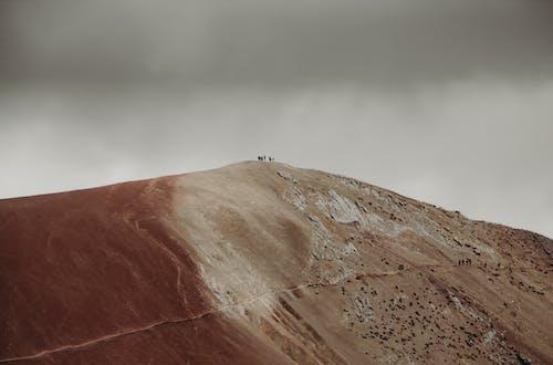 Základová fotografie zdarma na téma cestování, dobrodružství, hora, kopec