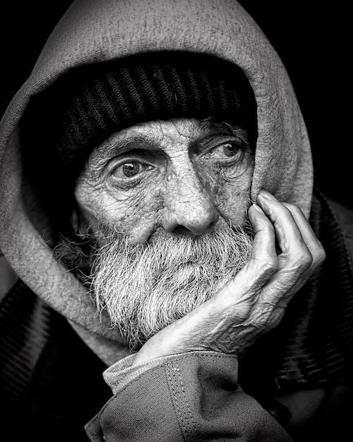 Ingyenes stockfotó arckép, fekete-fehér, Férfi, hajléktalan témában