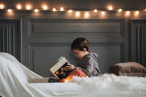 가족, 귀여운, 담요, 독서 책의 무료 스톡 사진