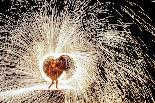 Fotos de stock gratuitas de bengala, chispa, danza del fuego, fuego
