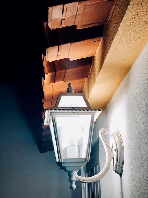Foto profissional grátis de casa da família, luz e sombra, luzes brilhantes, noite