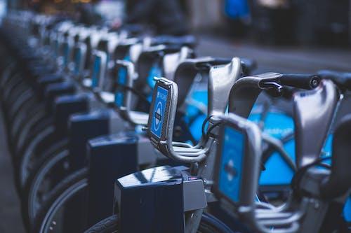 Gratis stockfoto met barclays fietsverhuur, boris fietsen, cycli, docking station