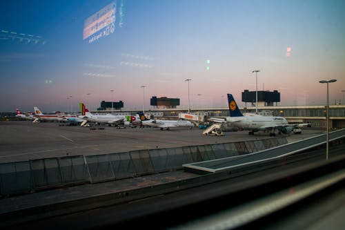 Безкоштовне стокове фото на тему «Авіація, аеропорт, літаки»