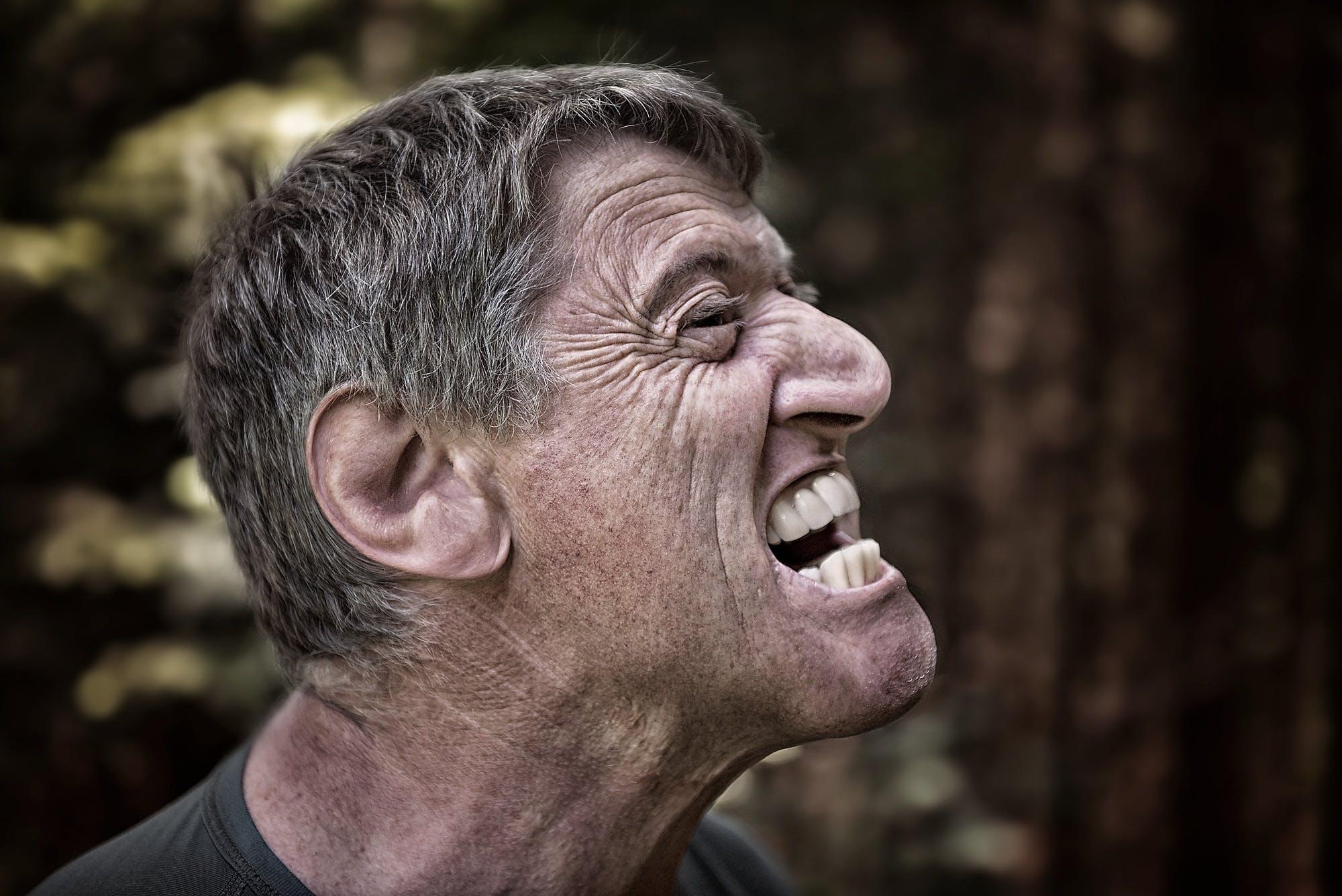 Foto profissional grátis de adulto, bravo, caricatura, dentes