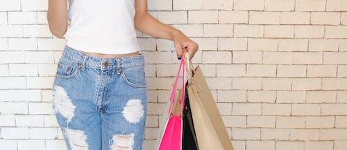 Fotos de stock gratuitas de bolsas, casual, desgaste, fondo