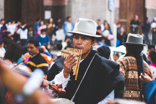 Fotobanka sbezplatnými fotkami na tému človek, dav ľudí, flauta, hudba