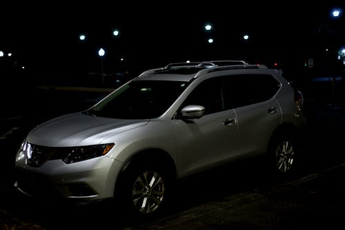 Immagine gratuita di auto sotto le luci, furfante, immagine dell'automobile, immagine di auto notturna