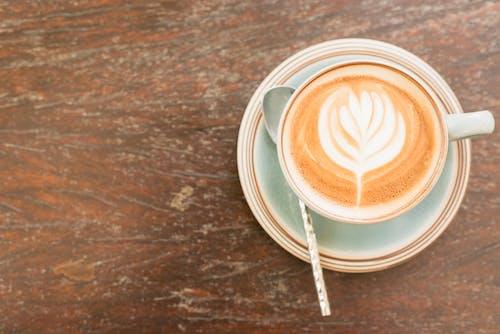 Kostenloses Stock Foto zu aroma, becher, braun, cappuccino