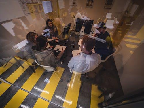 Foto d'estoc gratuïta de companys de feina, creatiu, cultura del treball, disseny
