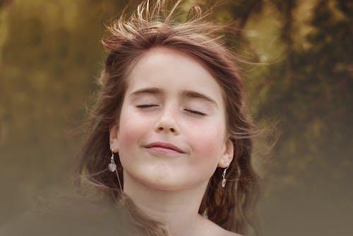 Kostenloses Stock Foto zu attraktiv, brünette, fotoshooting, frau
