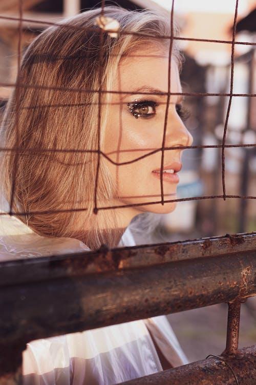 Základová fotografie zdarma na téma atraktivní, bezstarostný, blond