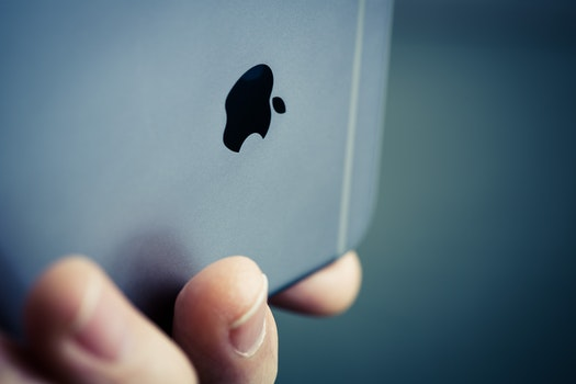 Free stock photo of apple, iphone, logo, holding phone