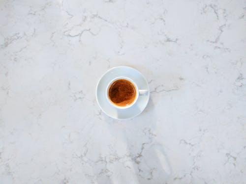 Darmowe zdjęcie z galerii z biały, cień, espresso, kawa