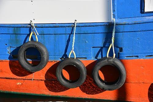 Darmowe zdjęcie z galerii z bateau, morski, pneus, port