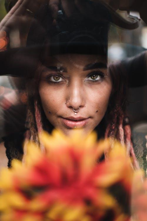 Δωρεάν στοκ φωτογραφιών με boho style, dreads, lifestyle, piercing
