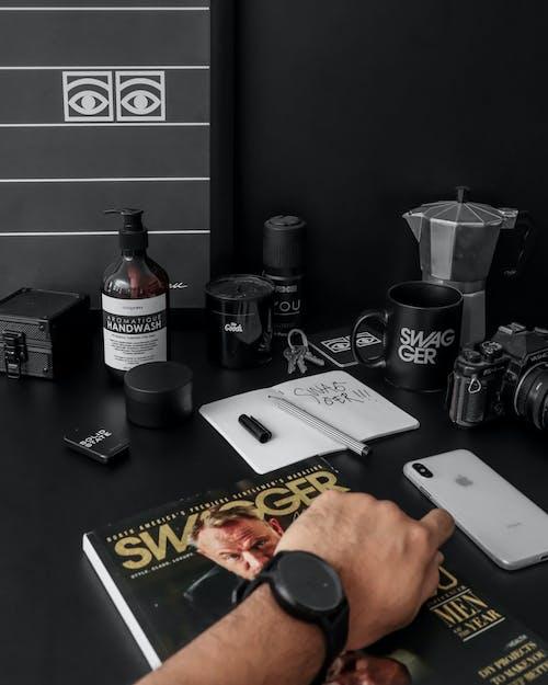 Δωρεάν στοκ φωτογραφιών με άνδρας, Άνθρωποι, γραφείο