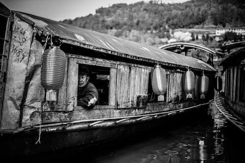Photos gratuites de bateau, bateau en bois, eau, échelle des gris