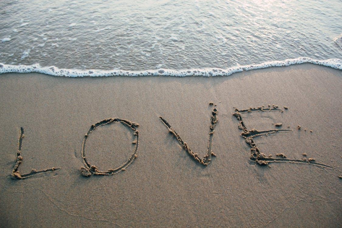 agua, amor, arena