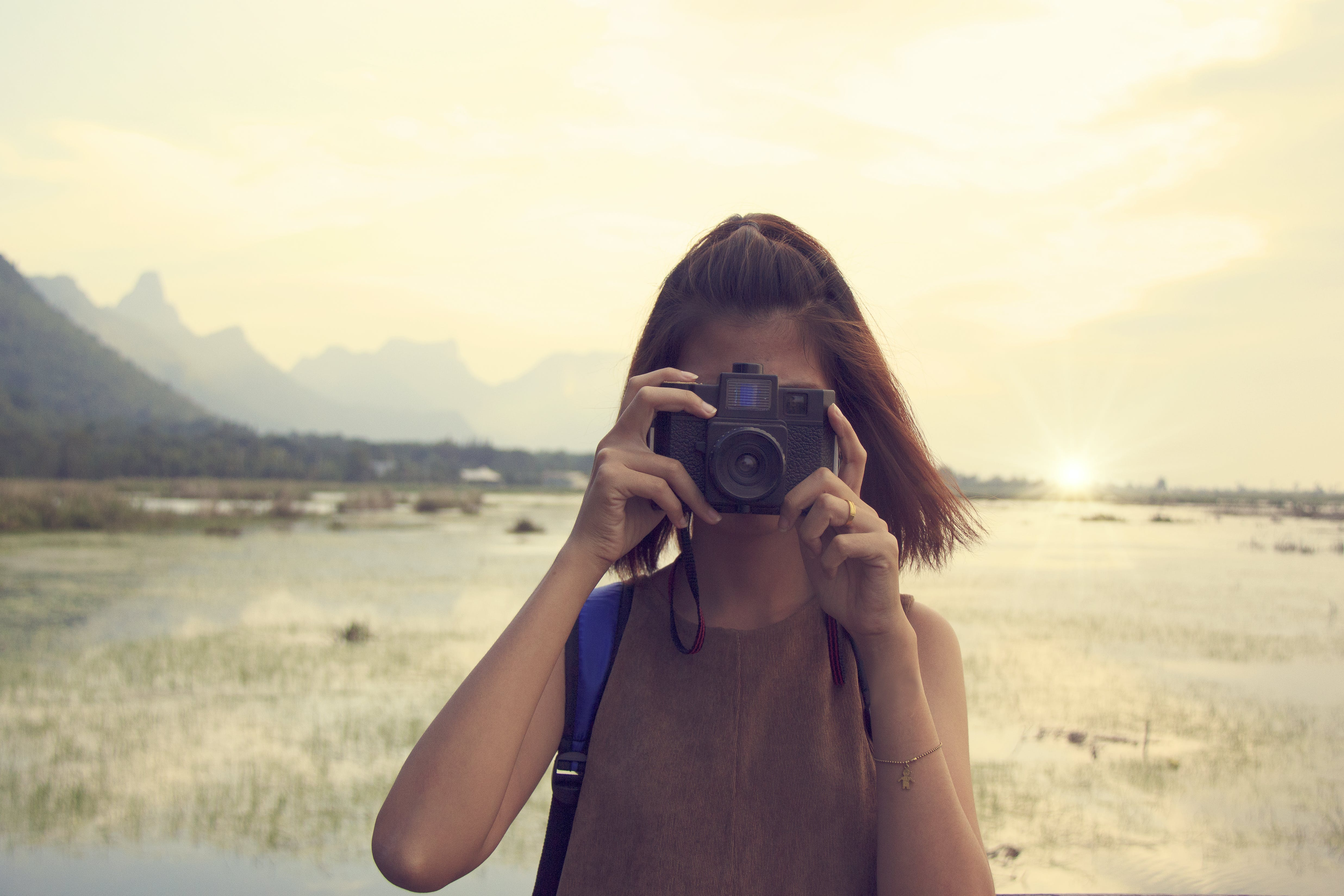 Gratis stockfoto met bergen, camera, cameralens, close-up