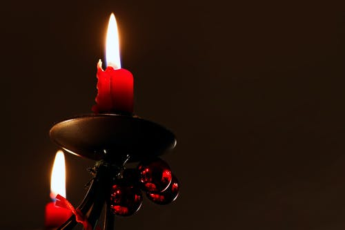 촛대, 촛불, 크리스마스, 크리스마스 배경의 무료 스톡 사진