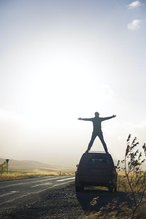 araba, araç, Güneş içeren Ücretsiz stok fotoğraf