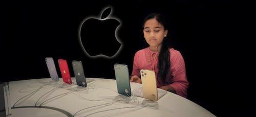 Free stock photo of apple, girl, i phone, modern technology phone