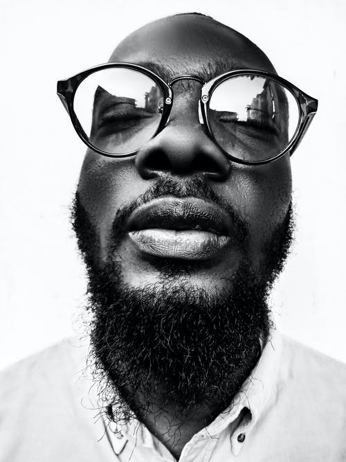 Бесплатное стоковое фото с Борода, выражение лица, глаза закрыты, лицо