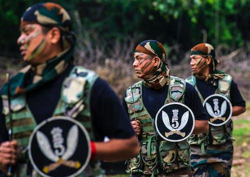 Foto profissional grátis de exército, rifles de gorkha