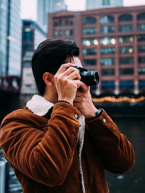 Бесплатное стоковое фото с Взрослый, выборочный фокус, город, городской