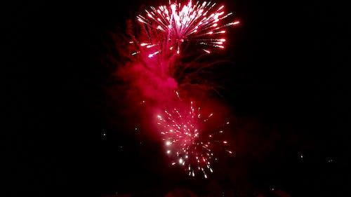 Foto profissional grátis de ano novo, celebração, fogo de artifício, foguete