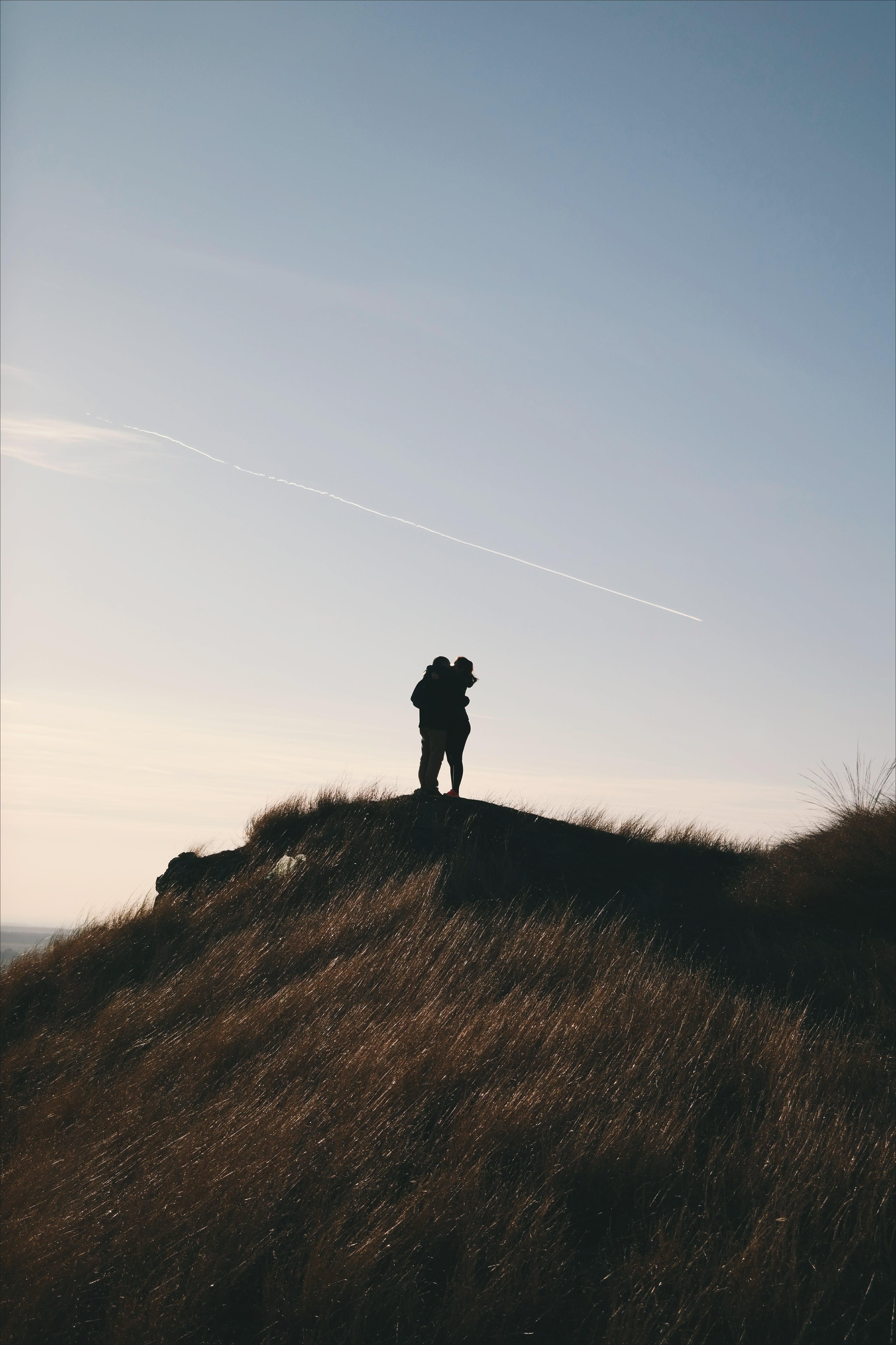 Gratis stockfoto met achtergrondlicht, berg, chemtrails, dageraad