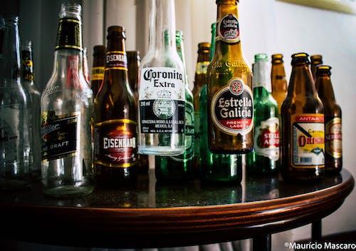 Základová fotografie zdarma na téma barvy, lahve, láhve na alkohol