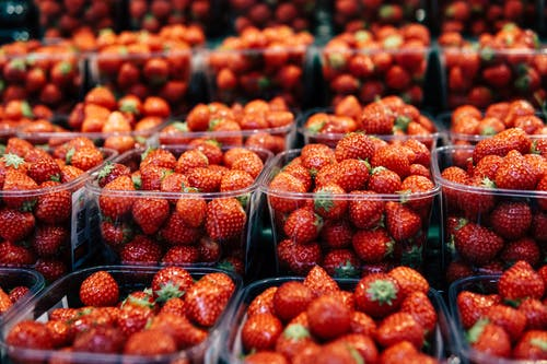 Shallow Focus Photo of Strawberries