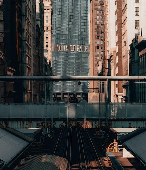 Fotos de stock gratuitas de afuera, al aire libre, alto, arquitectónico