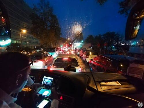 Kostenloses Stock Foto zu autofenster, bus, helle farben, helle lichter