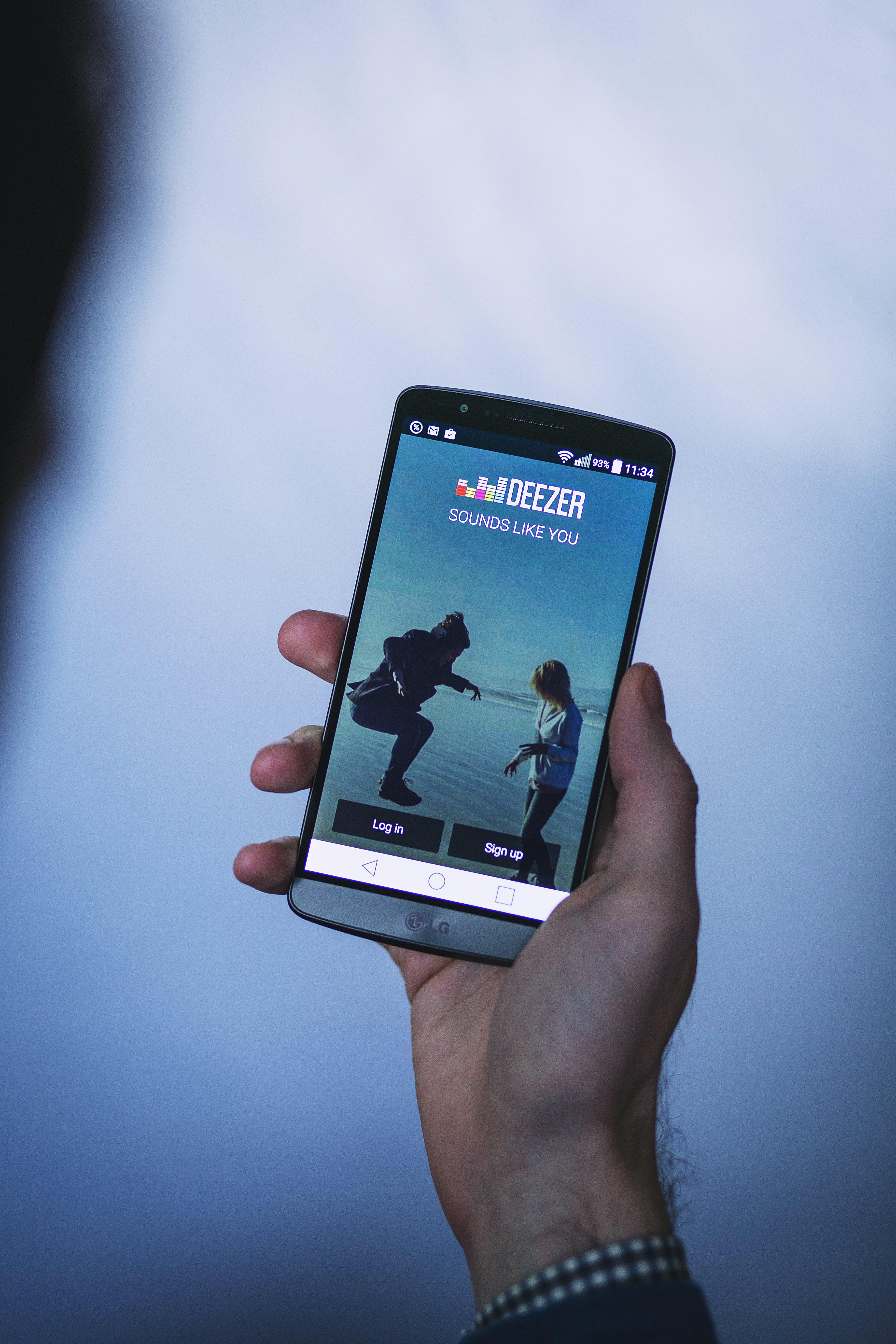 app, Deezer, hand
