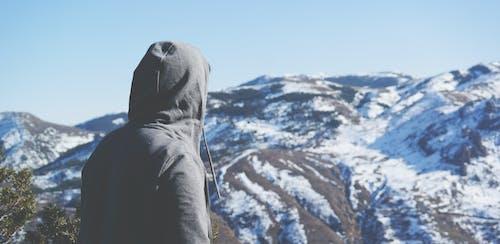 Δωρεάν στοκ φωτογραφιών με άνθρωπος, βουνό, γραφικός, κρύο