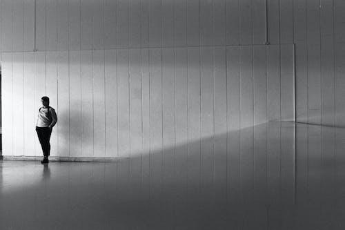Fotobanka sbezplatnými fotkami na tému 35 mm film, abstraktný, architektúra, čierna a biela