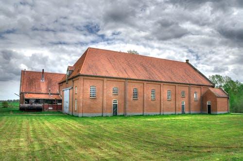 Kostenloses Stock Foto zu ackerland, architektur, bauernhaus, bauernhof