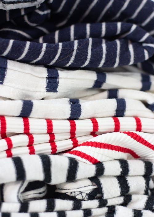 Foto profissional grátis de camisas listradas, com listras, estilo, flat lay