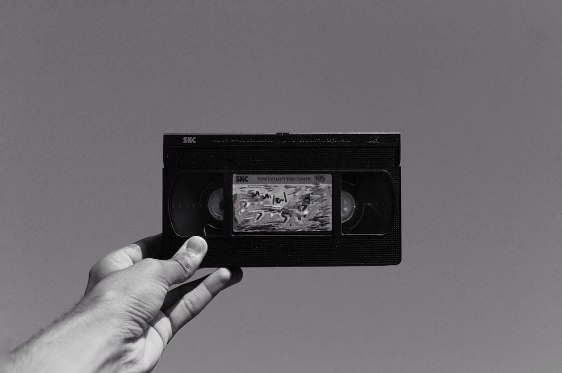Fotografía En Escala De Grises De Un Videocasete Vhs