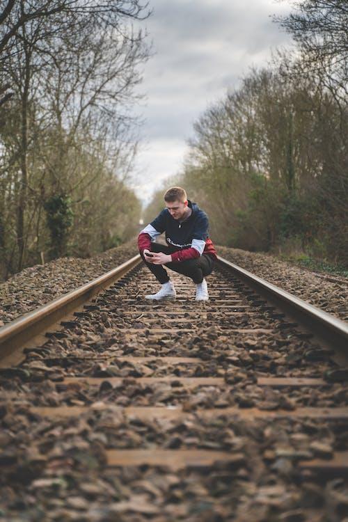 기차, 기찻길, 남성, 남자의 무료 스톡 사진