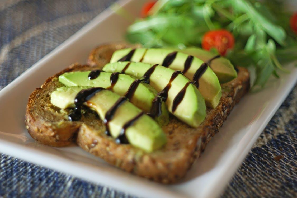 아보카도, 아보카도 토스트, 토스트의 무료 스톡 사진