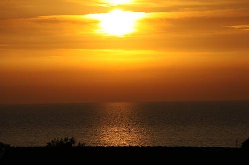 Darmowe zdjęcie z galerii z morze, ocean, słońce, woda