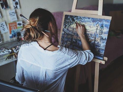 Darmowe zdjęcie z galerii z abstrakcyjny obraz olejny, artysta, artystyczny, brunetka